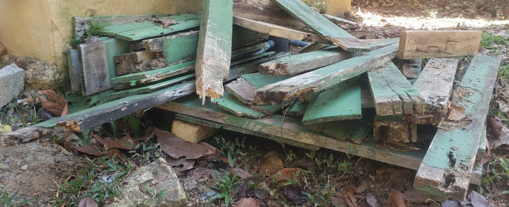 Trash Problem How to Build a Basurero - old broken down