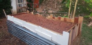 how to upcycle a raised garden bed - dirt fill
